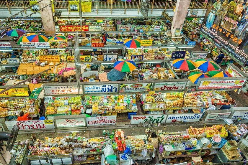 گشتی در شهر تاریخی چیانگ مای، تایلند؛ بازار محلی واروروت