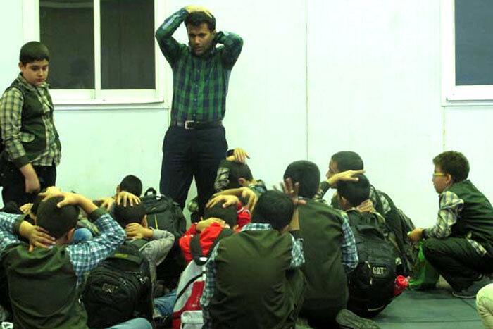 آشنایی دانش آموزان منطقه 20 با حوادث غیرمترقبه