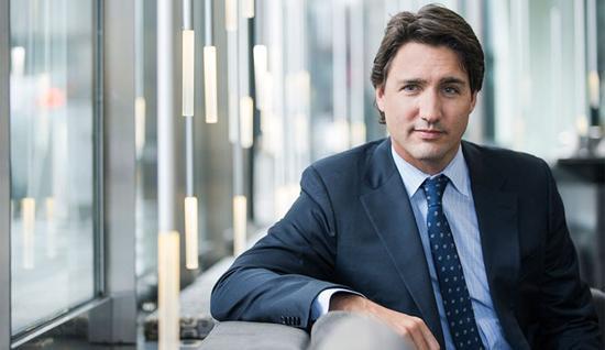 نخست وزیر کانادا اتهام تعرض به یک زن را رد کرد