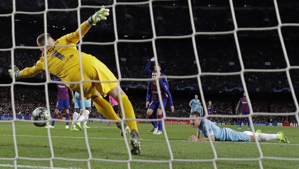 بارسلونا 0 - 0 اسلاویا؛ سد بزرگی به نام کولار!