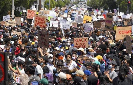 انتقاد فاکس نیوز از موضع ایران و چین در برابر تظاهرات ضد نژادپرستی در آمریکا