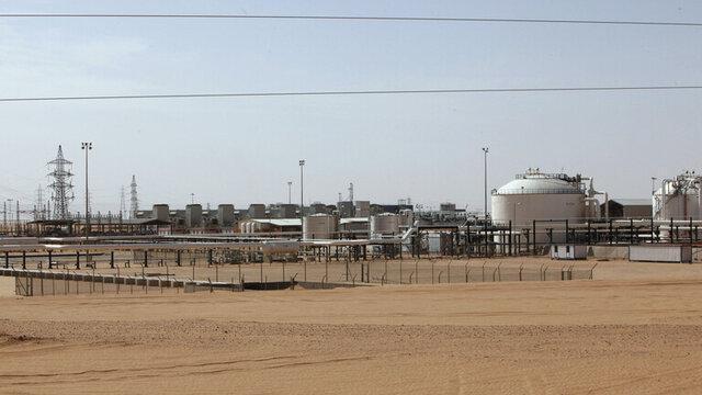افراد مسلح ناشناس به میدان نفتی در جنوب لیبی حمله کردند