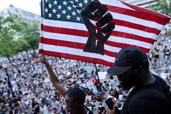 خروش ملت آمریکا علیه دولت نژادپرست