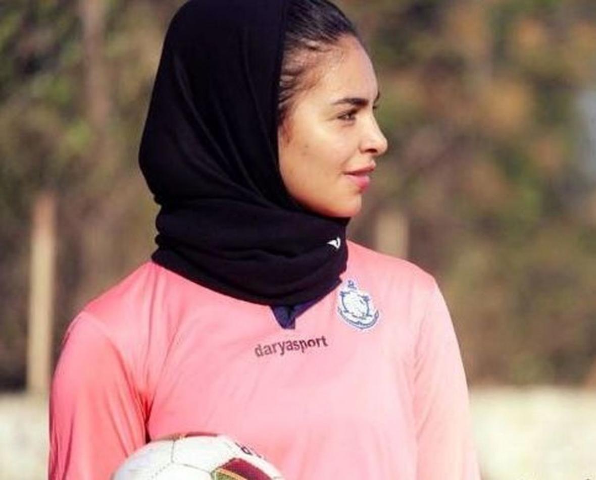 فوتبالیست زن ایران به شارلروای بلژیک پیوست