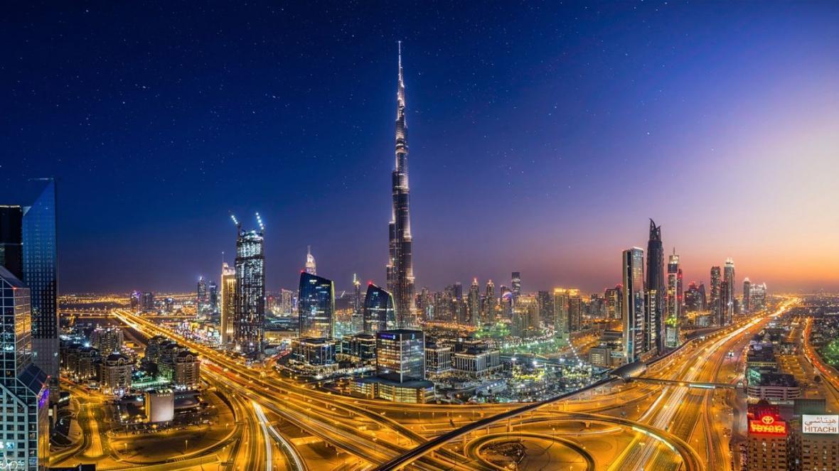کشتی نفتی امارات منفجر شد