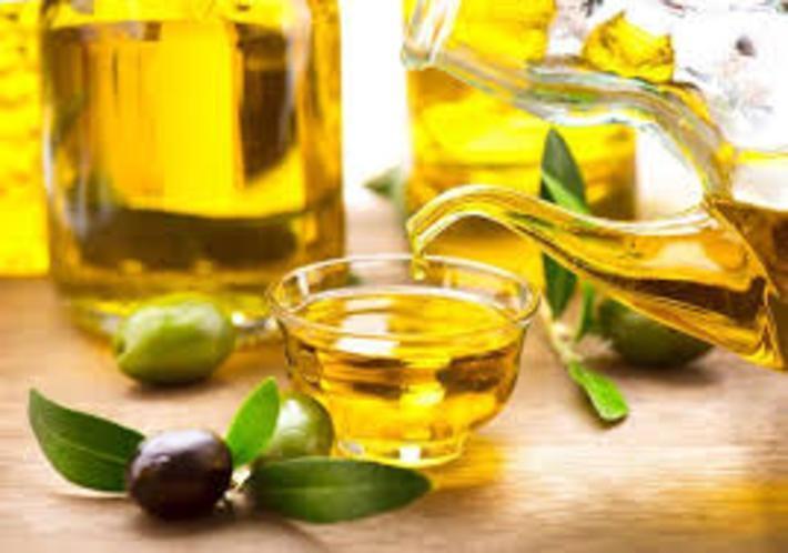 خواص روغن زیتون: 25 کاربرد روغن زیتون برای سلامت و زیبایی پوست و مو خواص روغن زیتون: 25 کاربرد روغن زیتون برای سلامت و زیبایی پوست و مو