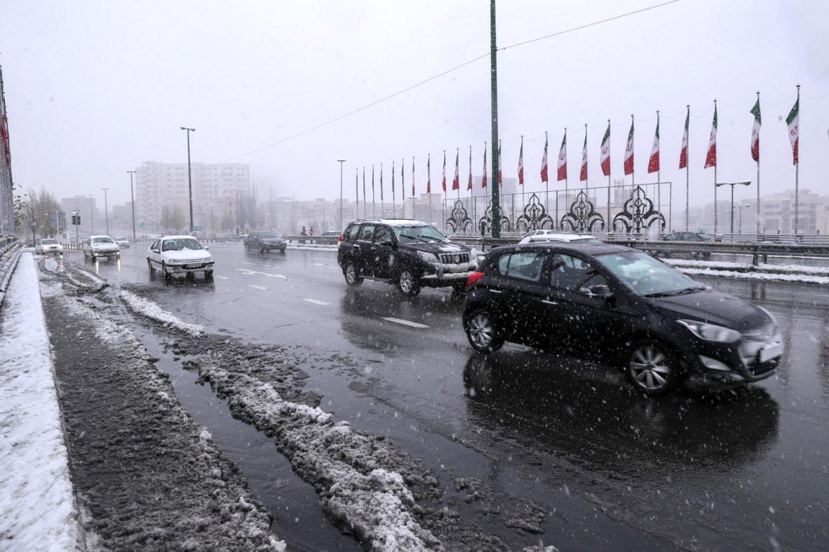 بارش برف و باران در3 استان