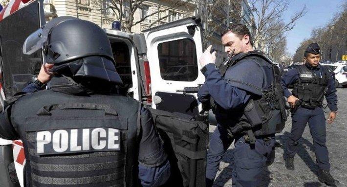جزئیات تیراندازی در فرانسه