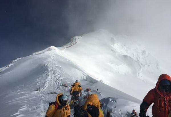 صعود پیرمرد 75 ساله آمریکایی به اورست