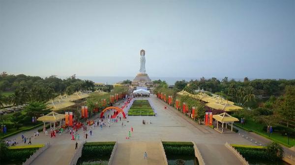 شهر ساحلی سانیای چین برای جذب جهانگرد جا پای دبی می گذارد